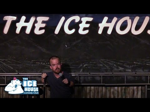 Brad Williams - How I Pick Up Women (Stand Up Comedy)